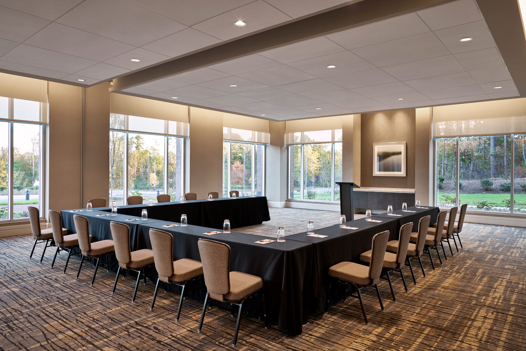 StateView-Hotel-Meeting-1