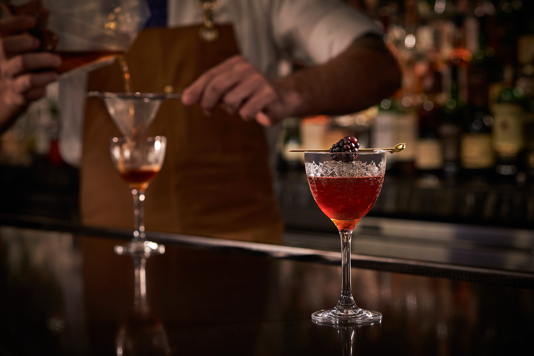 The-Ritz-Carlton-DC-Drinks-Pour